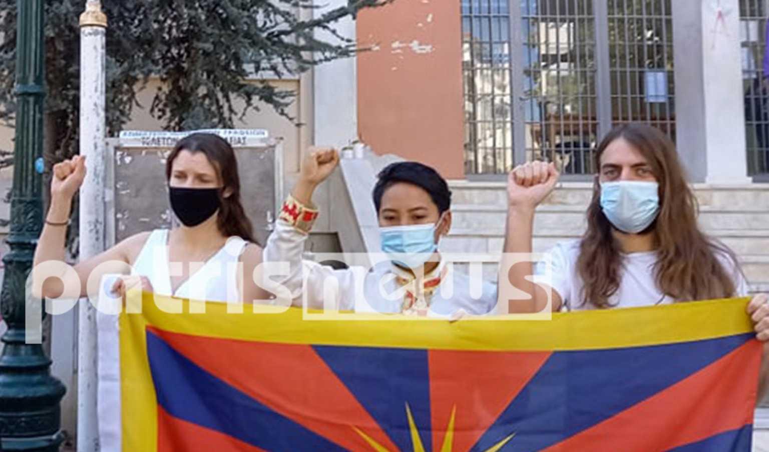 Αρχαία Ολυμπία: Με σημαία του Θιβέτ στα δικαστήρια οι τρεις ακτιβιστές