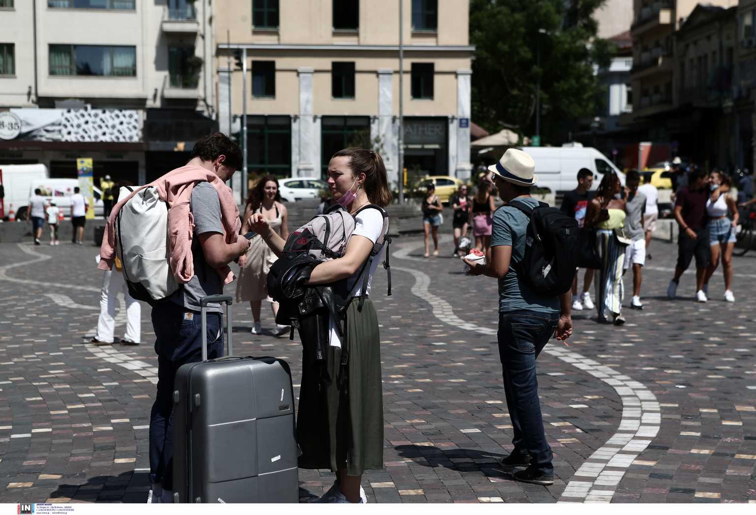 Σχεδόν 80% αυξήθηκαν φέτος σε σχέση με το 2020 οι τουρίστες στην Ελλάδα